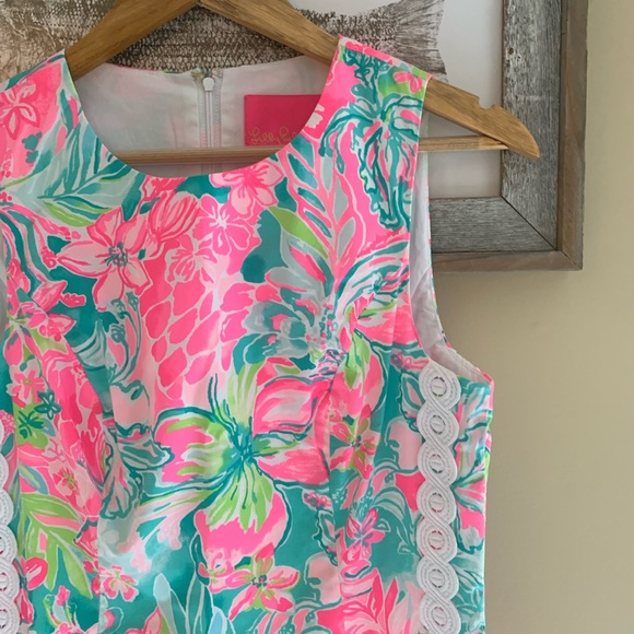 """Lilly Pulitzer Dresses & Skirts - NWT Lilly Pulitzer """"Mila"""" Shift, Hot on that Scene"""